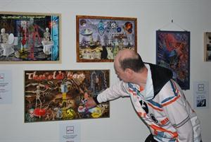 Bild_(c)_AMK: Maik Mueller findet auch Inspiration für seine Bilder in Mythen und Sagen.